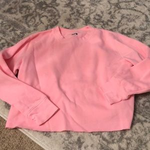 Cropped pink crew neck